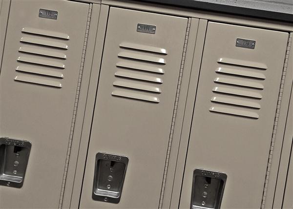 lockers-1622865_1920.jpg
