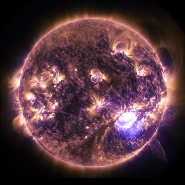 solar-flare-sun-eruption-energy-39561.jpeg