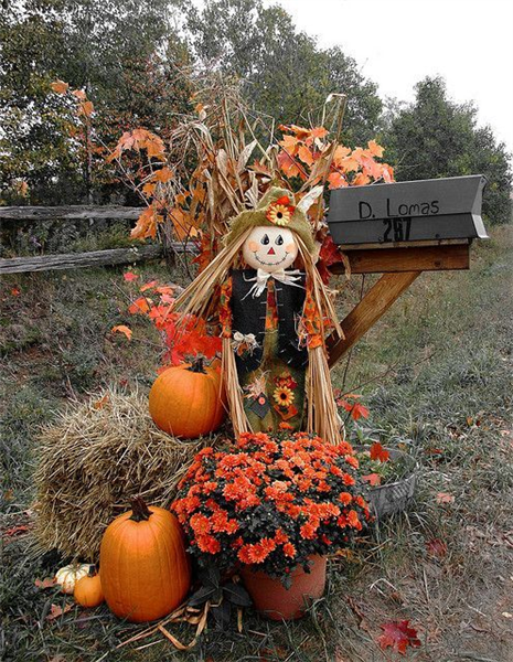 281515-Mailbox-Decorated-For-Fall.jpg