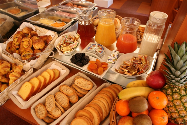 breakfast_continental_spread.jpg